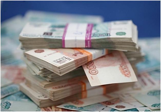 У жителя Москвы, пытавшегося в кафе поменять рубли на валюту, мошенники увели 1,8 млн рублей