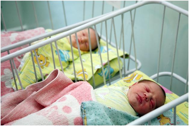 В ГД внесен законопроект о беззаявительном продлении ежемесячной «детской» выплаты