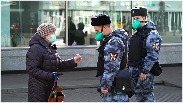 Москвичей переводят на пропускной режим