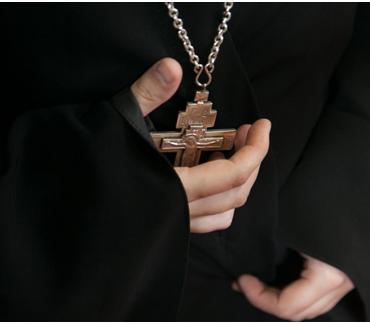 Настоятель и клирик храма РПЦ попали под уголовное дело за наркотики