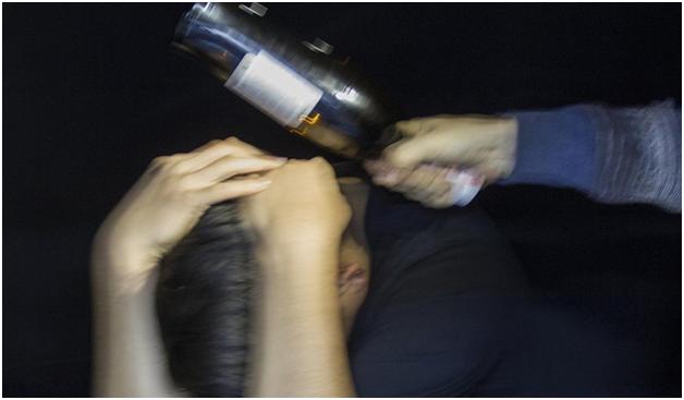Московский продавец ударил покупателя за кашель литровой бутылкой по голове