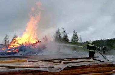 Под Москвой дотла сгорела православная церковь