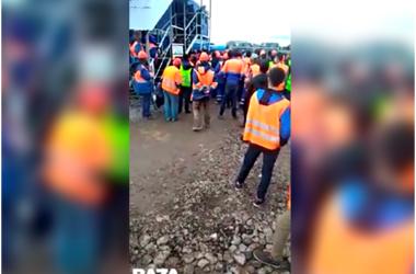 В аэропорту Шереметьево взбунтовались дорожные строители