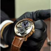 Москвич заявил, что у него отняли часы стоимостью 38 млн рублей