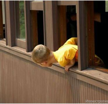 В Москве охранник без кисти руки спас упавшего с высоты мальчика