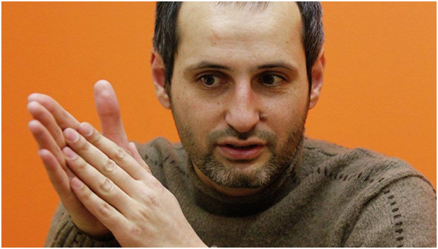 В Москве покалечился пьяный режиссёр. Его спасают в реанимации