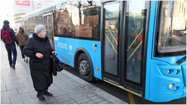 В Москве приостановили льготный проезд для школьников, стариков и «хроников»