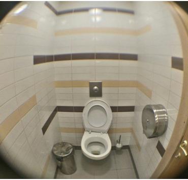 В женском туалете московского супермаркета обнаружили видеокамеру