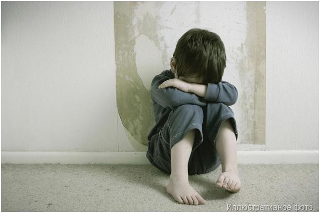 Один дома: десятилетний мальчик, брошенный матерью, просидел взаперти пятеро суток