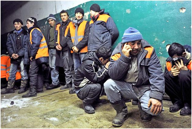 На московские стройки массировано нанимают узбеков и таджиков