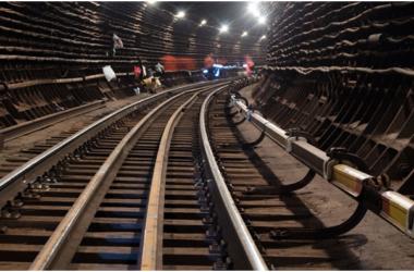 Москвич, справивший большую нужду на рельсах, заплатит метро полмиллиона рублей